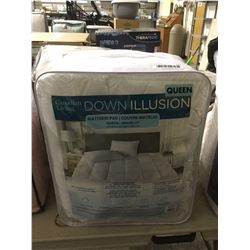 Canadian Living Queen Size Down Illusion Mattress Pad