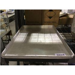 Lot of 2 Baking Trays