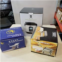 RICE COOKER AND 2 PASTA MAKERS