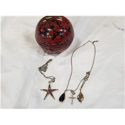 LIDDED BOX WITH 925 NECKLACES