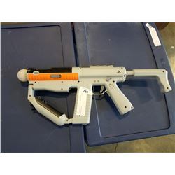 PLAYSTATION MOVE GUN WITH CONTROLLERS