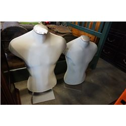 2 LARGE MALE MANNEQUIN TORSO ON STANDS