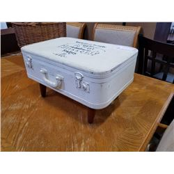 LUGGAGE END TABLE