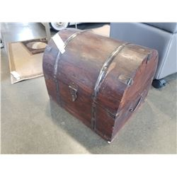 WOOD DOME CHEST