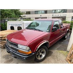 2003 CHEVROLET S-10, 2DR EX CAB PU, RED, VIN # 1GCCS19X238155927