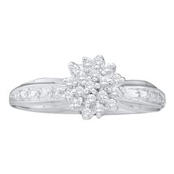 1/10 CTW Round Diamond Cluster Ring 10kt White Gold - REF-9Y6X