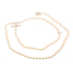 Chanel CC Pearl Necklace Belt
