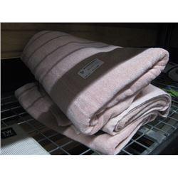 SET OF 3 FULL BODY TOWELS