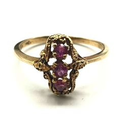 10K GOLD RING WITH PINK/RED STONES SIZE 8