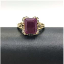 10K GOLD RING RED STONE & DIAMONDS SIZE 7