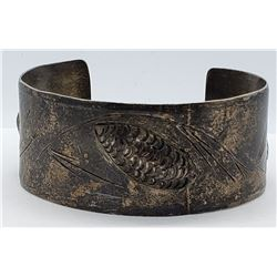 VINTAGE THICK CUFF WITH WHEAT ENGRAVED