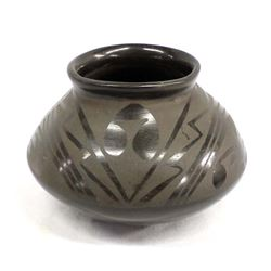 Vintage Mata Ortiz Matte on Black Pottery Jar