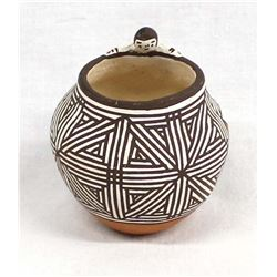 Native American Acoma Friendship Pottery Jar