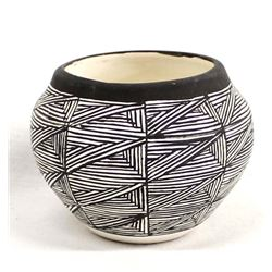 Native American Acoma Fine Line Pottery Bowl