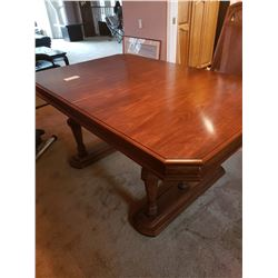 Dining table w/ 2 inserts
