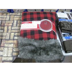 48-IN BUFFALO PLAID TREE SKIRT WITH FUR