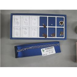 DISPLAY CHAINS AND CHARMS