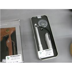 KNIFE WITH COMPASS AND FLASHLIGHT