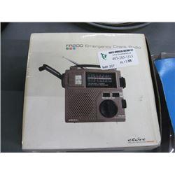 FR200 EMERGENCY CRANK RADIO
