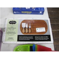 OVAL CHEESE BOARD WITH 3-PC TOOL SET