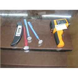 ASSORTED DIGITAL THERMOMETER
