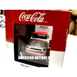 2019 USA Coca-Cola print truck with minicar Diecast 1:64