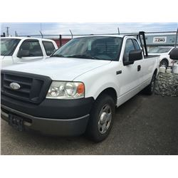 2006 FORD F150 EXTENDED CAB WHITE PICKUP, VIN# 1FTRF12296NA63507, 152038KM, RD/TH/TW/AC, RACK, BOX