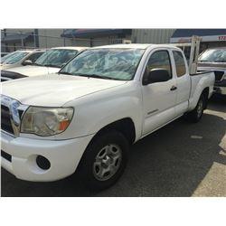 2005 TOYOTA TACOMA EXTENDED CAB WHITE PICKUP, VIN # 5TETX22N15Z097486, 244938KM,