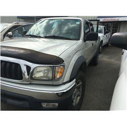 2001 TOYOTA TACOMA CREW CAB TRD OFF ROAD GREY PICKUP, VIN # 5TEGN92N51Z769124, 300115KM,