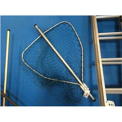 """ALUMINUM 30"""" LANDING NET (NOTE SMALL RIP IN SIDE BUT IS REPAIRABLE)"""