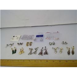 LOT OF EARRINGS