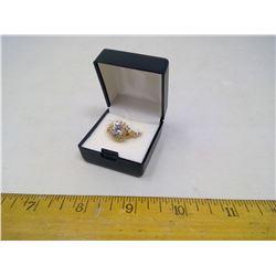 WYNDSOR CZ CLUSTER RING 14KT GOLD-PLATED - SIZE 9
