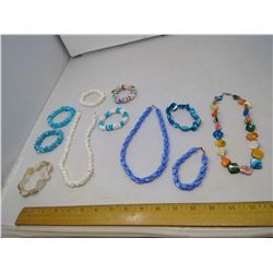 LOT OF 3 NECKLACES AND 8 BRACELETS