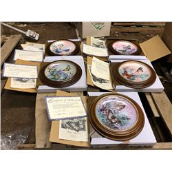 5 COLLECTOR ART PLATES THAT CAN BE MOUNTED TO A WALL