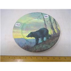 "1984 BLACK BEAR PAINTED ON WALL HANGING DISH - DIAMETER 10"""