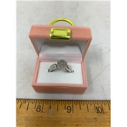 STERLING SILVER 7 DIAMOND RING SIZE 7 - SRV 140-