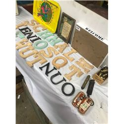 LOT OF WOODEN CRAFT LETTERS, TRAYS, AND COLLECTIBLES