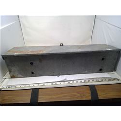 STEEL TOOLBOX WITH VARIOUS PULLEYS