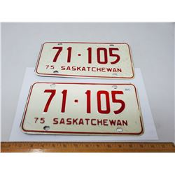 MATCHING PAIR OF 1975 LICENSE PLATES