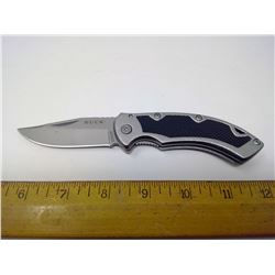 BUCK FOLDING KNIFE - UNUSED