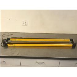 (2) KEYENCE SL-V60HM-R & SL-V60HM-T LIGHT CURTAIN