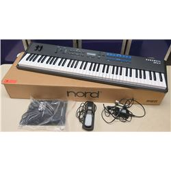 Kurzweil SP4-7 Digital Lightweight 76 Key Stage Piano (Box does not go with it)