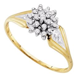 1/10 CTW Round Diamond Cluster Ring 10kt Yellow Gold - REF-9X6T