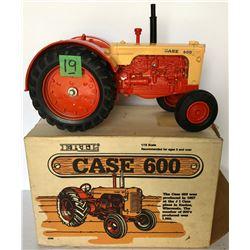 CASE 600 DIE CAST TRACTOR WITH ORIGINAL BOX