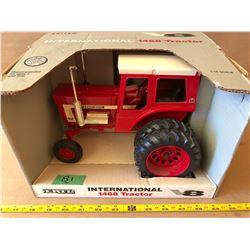 INTERNATIONAL 1468 DIE-CAST TRACTOR