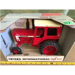 INTERNATIONAL 1466 TURBO DIE-CAST TRACTOR