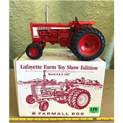 FARM ALL 806 DIE-CAST TRACTOR