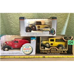 3 X DIE-CAST CLASSIC VEHICLES - 1/25 SCALE