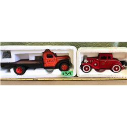 2 X CLASSIC VEHICLES - DIE-CAST