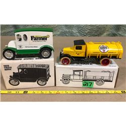 1920 DELIVERY TRUCK & 1931 HAWKEYE TANKER - BANKS